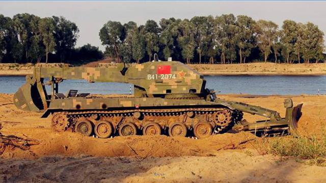 俄军演 中国工程车上阵 太霸气