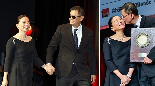 第9届里昂卢米埃尔龙8国际娱乐官网节 王家卫获奖激动亲吻夫人