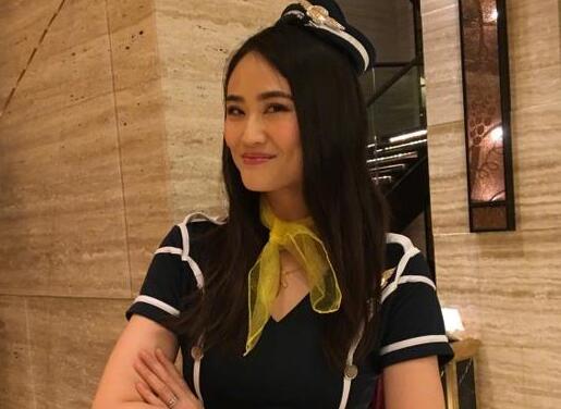 李小鹏老婆空姐制服装气质佳 甜蜜表白:我女神