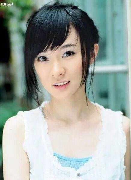 霍思燕清纯动人18岁旧照曝光 眼神清澈笑容温柔