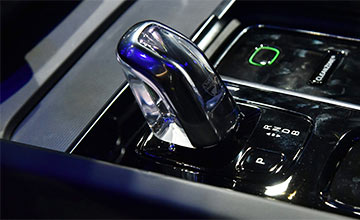 沃尔沃最美新中型SUV预售38万 奥迪Q5奔驰GLC都慌了!