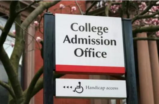 哈佛招生歧视亚裔