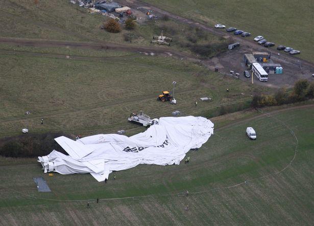 """""""飞天屁股""""摔烂了 世界最大飞行器发生坠机事故"""