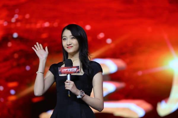 关晓彤自曝将上《跨界歌王3》 唐嫣罗晋同台秀恩爱