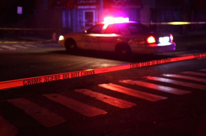 美国少女欲自杀被警察电晕 还将面临重罪指控