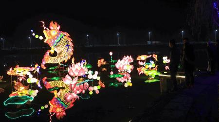 安徽芜湖:迎冬至 赏彩灯