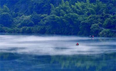 这座不太出名的湘南小城 却藏着一个晨雾弥漫的东方瑞士