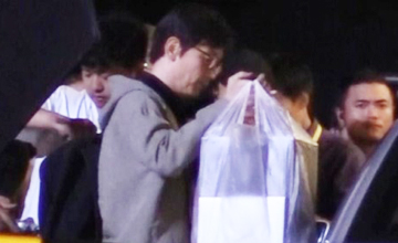 61岁葛优头发突然变浓密     title=