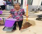 民权县编办扶贫工作队引领贫困群众开展人居环境整治