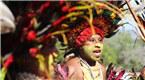 身著傳統服飾的巴布亞新幾內亞部落原住民
