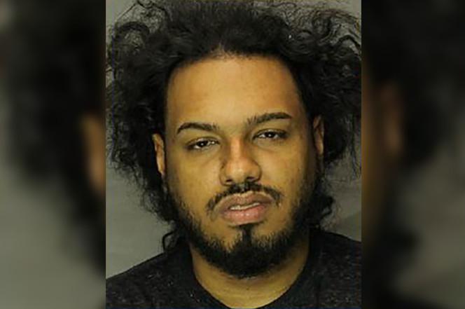 在歌里唱吸毒贩毒的嘻哈歌手 因为贩毒被捕了