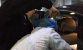 广东一孕妇停车场分娩 医务人员现场接生