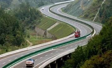 人车稀少的道路却要限速30 背后真相让人大吃一惊