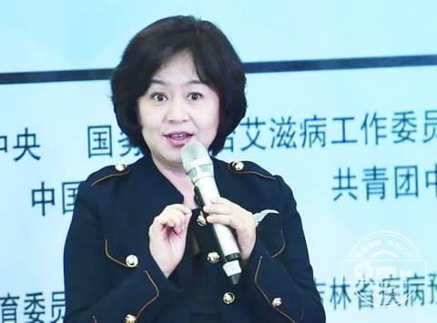 52岁鞠萍姐姐近照曝光与濮存昕合...