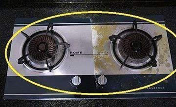 家里煤气灶千万别用布擦 这个技巧3秒干净
