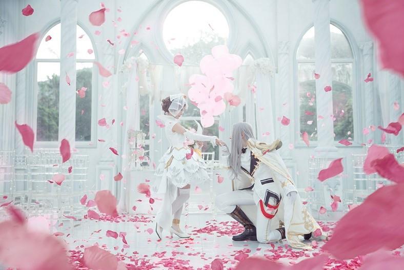 梦幻荣耀王者Cosplay:周瑜与小乔美女婚礼腹泻裤子里真人拉图片