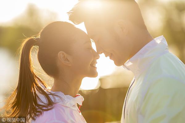 专家调查:夫妻之间最有幸福感的年龄差