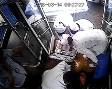 男子乘车突然晕倒 海口公交司机紧急送医抢救