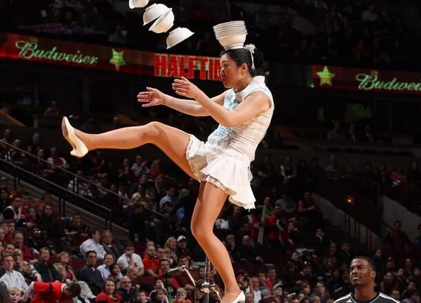 NBA的性感啦啦队和中场秀文化,竟然是这么来的