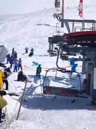 格鲁吉亚滑雪胜地缆车失控现场