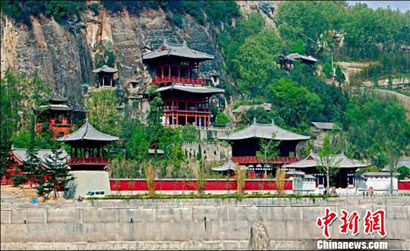 感受唐代瑰丽文化:海外华文媒体探访皇泽寺