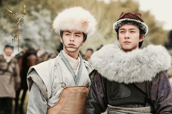《三国机密》开播 马天宇被韩东君万茜簇拥显王者之气