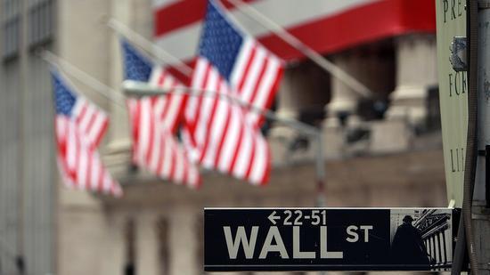 美股近800点大逆转 美三大股指低开高走涨逾1%