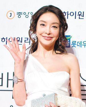 检察院重启张紫妍自杀案 当年参与办案人员一并调查