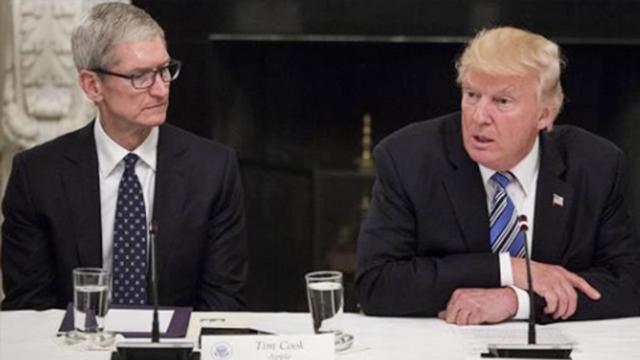 苹果市值暴跌七百亿 库克找特朗普