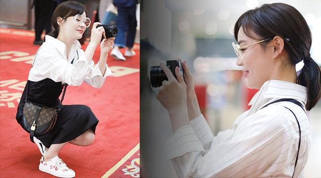 袁姗姗机场反拍摄影师 蹲地俯身大秀拍照姿势