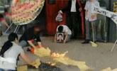 老人牙疼去挂水意外身亡 家属医院摆花圈烧纸被拘