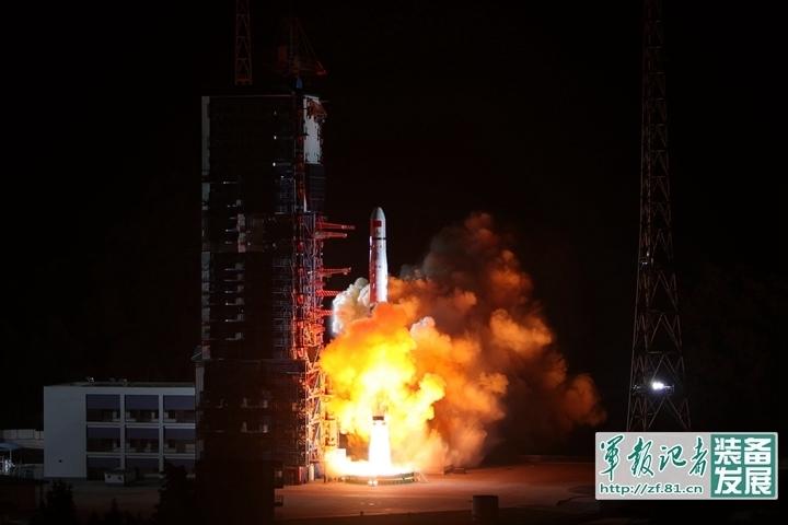 首次发射CZ