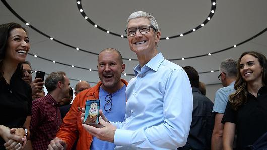 库克:iPhone不会因中美贸易关系紧张被征收关税