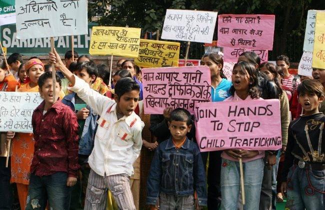 印度男子的一条推特 救了26个被人贩子