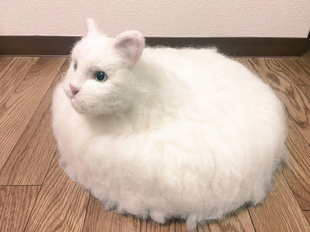 岛国网友脑洞大开 造出魔性扫地机器猫