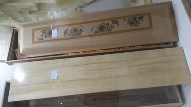 韩国女子睡棺材求转运 一夜后窒息身亡