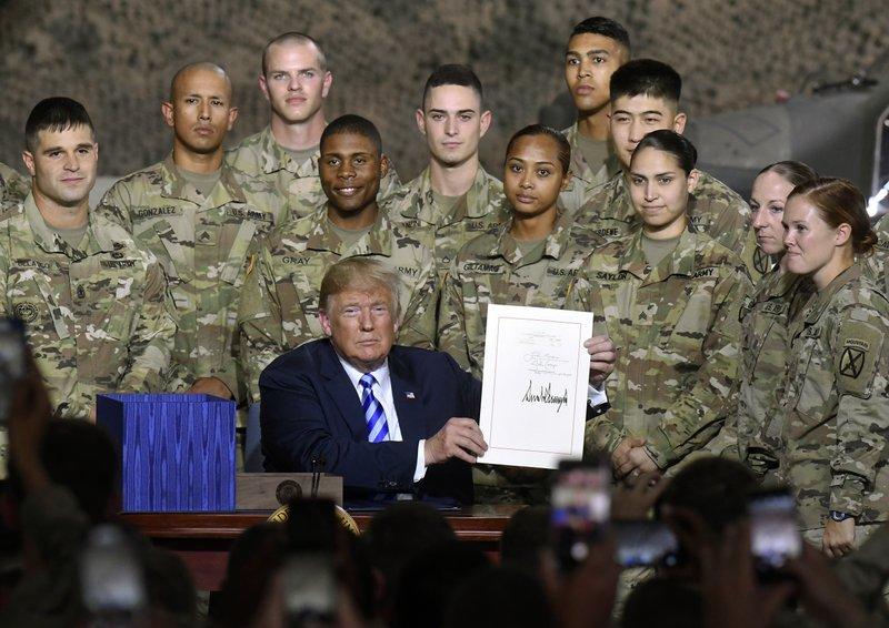 特朗普签署7160亿美元国防授权法案 鼓励美台军事交流