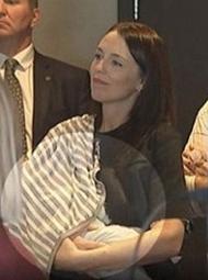 女总理哺乳被偷拍