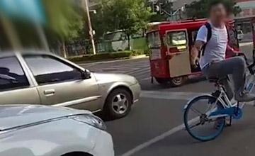 女司机开车占非机动车道还教唆孩子骂人 结局亮了