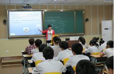加强高素质教师队伍建设 教师人人尽展其才