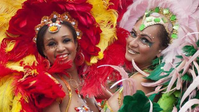 色彩盛宴 多伦多加勒比狂欢节激情四溢