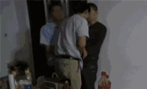 逃犯给朋友做伴郎婚礼上被警察带走 新郎新娘懵了