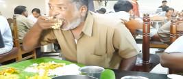 印度人喜欢直接用手吃饭,但是中国有一道菜,却让他们感到尴尬!