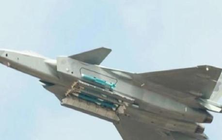 歼20挂载武器公开展示,6枚导弹够不够?我们用数据来证明