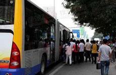 出租车营运不规范、等公交车难乘车难成投诉热点