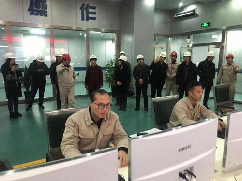 民建安庆市宜秀区委组织政协委员等走进电力企业就节能环保调研