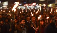 打砸商铺抢银行 印度有2亿人罢工了!