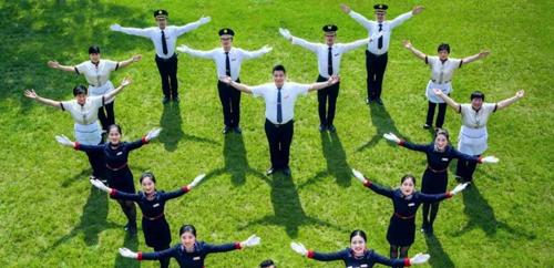 蓝光雍锦半岛:以高端服务体系礼献南昌