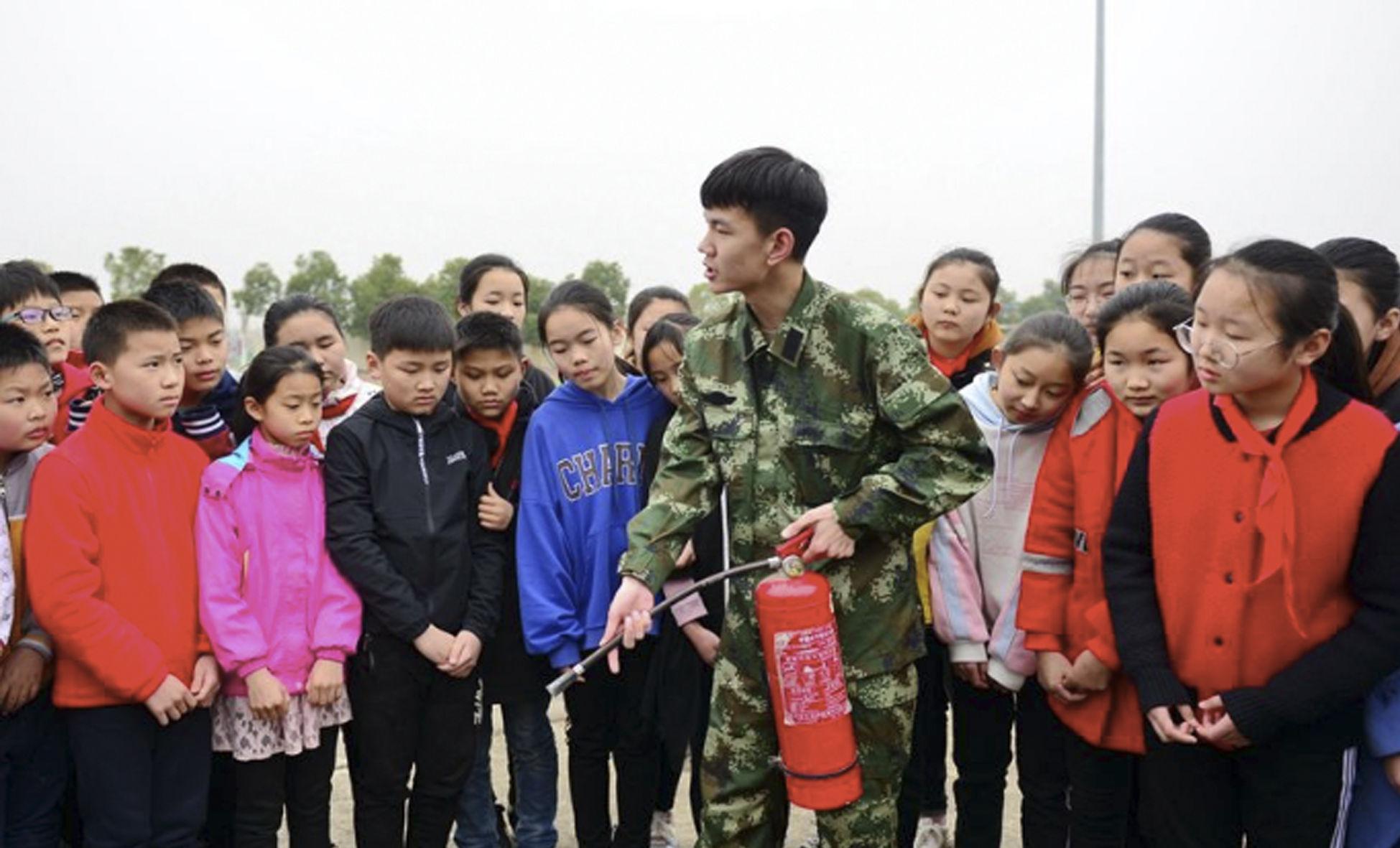 """安徽合肥:消防知识进校园"""" width="""