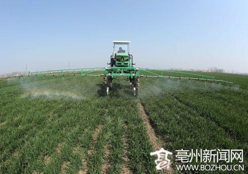 亳州:展示其在新型农业机械方面的技能